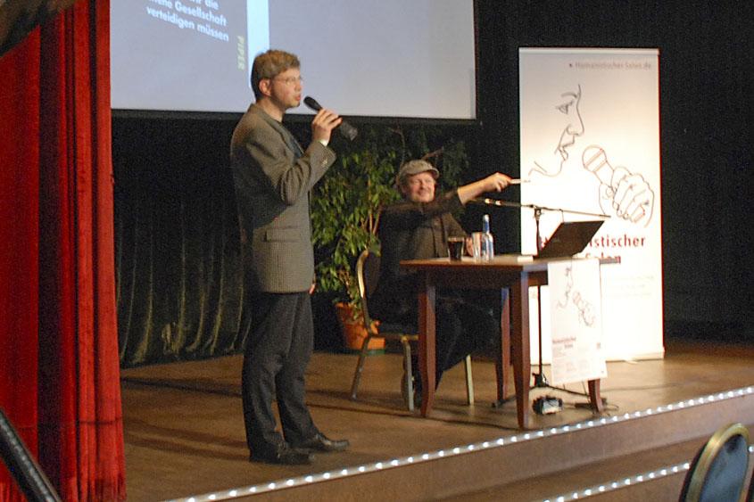 Helmut Fink und Dr. Michael Schmid-Salomon