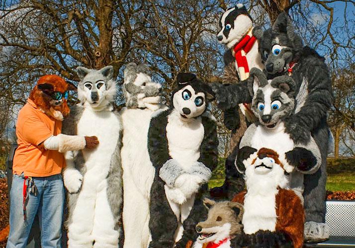 »Furries« in Gorichem, Niederlande, bei einem »Furwalk«