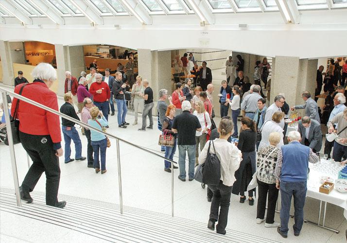 Besucher des Kortizes Symposiums im Germanischen Nationalmuseum