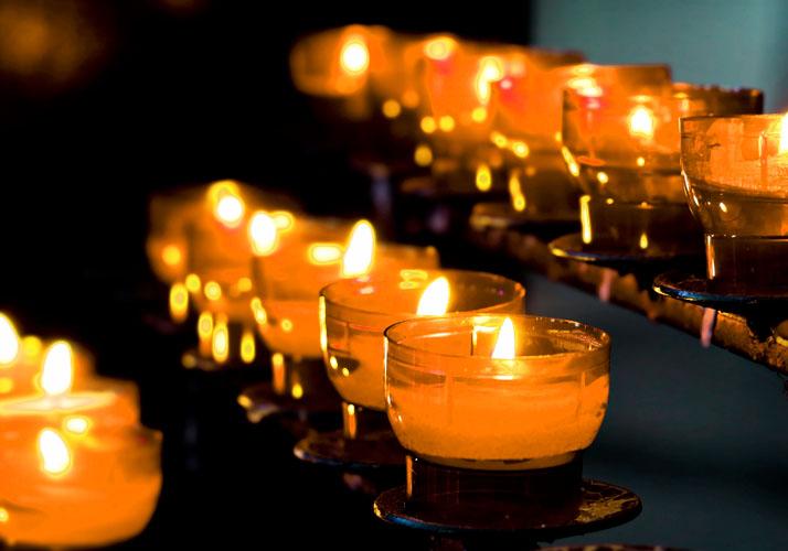 Reihe von Kerzen