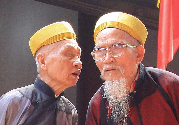Unterhaltung zwischen zwei Männern